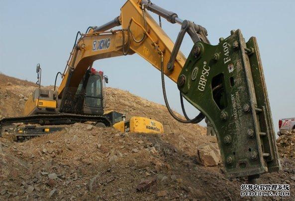 挖掘机修理