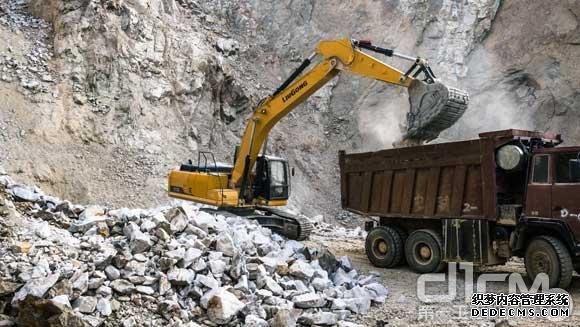 李光元:柳工挖掘机助我跨界成功